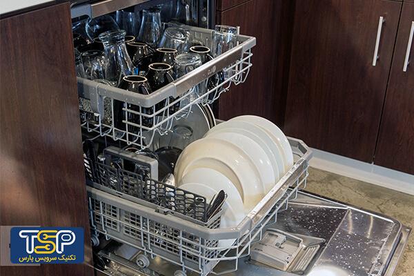 علت سفیدک زدن ظروف چیست؟